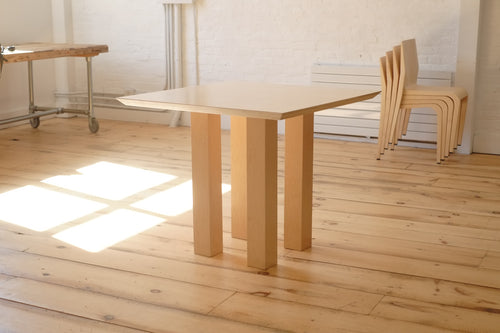 D2A dining table