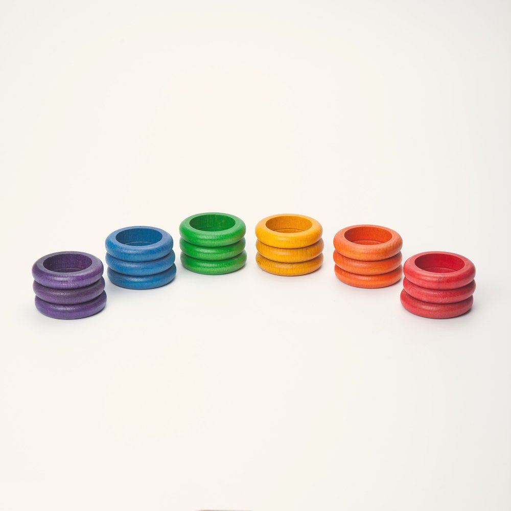 Grapat 18 wooden colourful rings