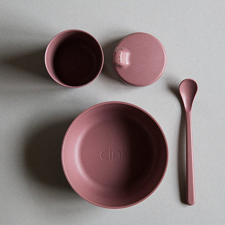 Cink Bamboo dinnerware gift box including bowl, sippy cup and spoon in the colour beet