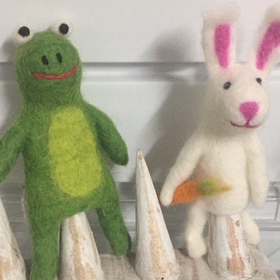 Papoose pure wool felt finger puppets - frog and bunny