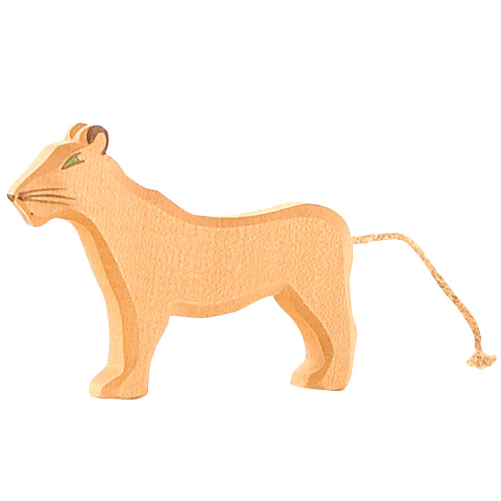 Ostheimer wooden lion female