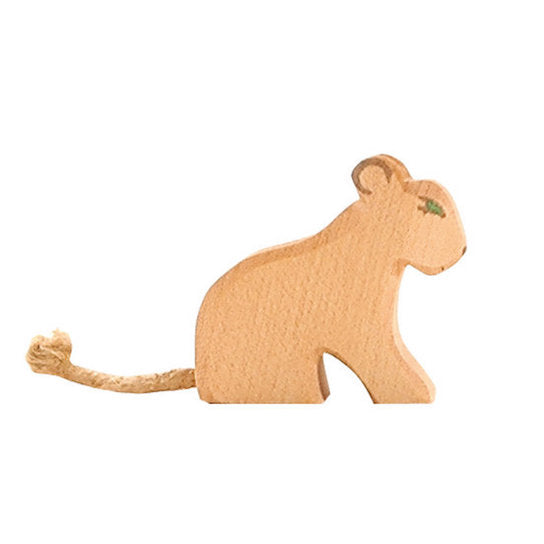 Ostheimer wooden small sitting lion