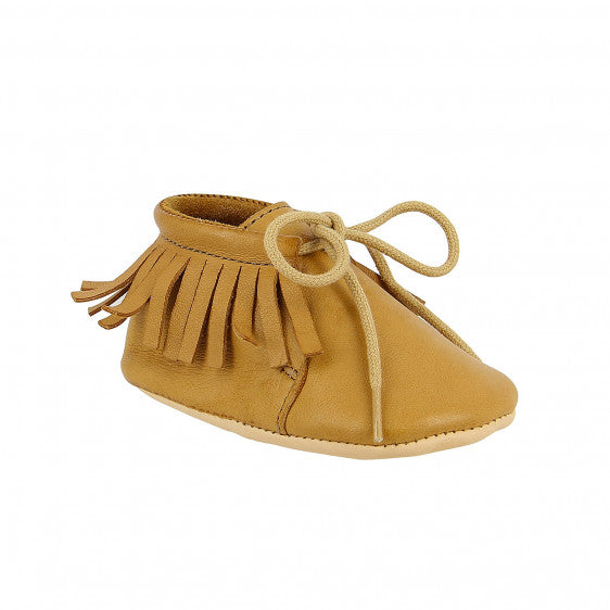 Easy Peasy Meximoo prewalker baby shoes- tan leather moccasins with fringe detailing and brown laces