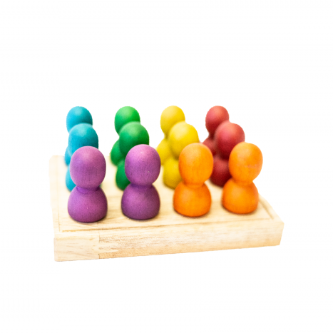 Qtoys Mini Rainbow People on Wooden Tray