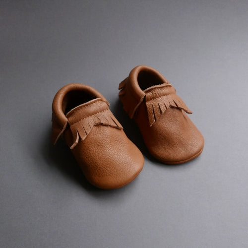 Pair of Betón Moccs in the Jagged style - vegetable tanned leather baby moccasins in brown