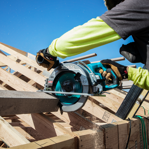 "Image of Makita GSR02M1 40V max XGT® Brushless Cordless Rear Handle 10‑1/4"" Circular Saw Kit, AWS® Capable, 4.0Ah"