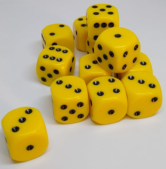 Chessex 25602 Opaque: Yellow/Black - 16mm D6 (12 Dice)