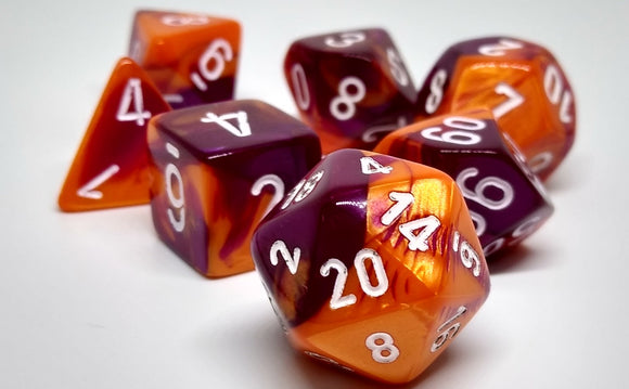 Chessex 30021 Gemini: Orange-Purple/White - Polyhedral (7 Dice)