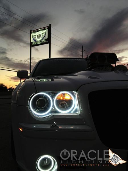 2005-2010 CHRYSLER 300C/SRT8 ORACLE Headlight Halo Kit