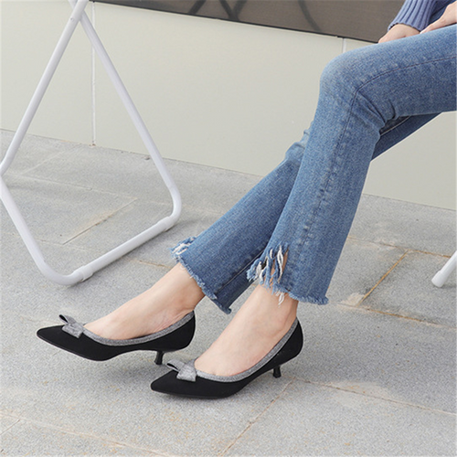Simple stiletto pointed high heels