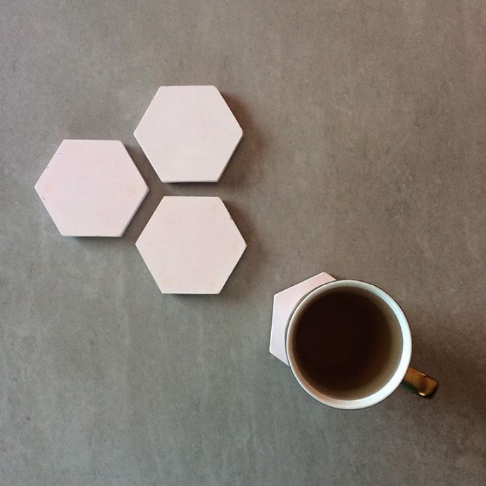 SET DE COASTERS HEXAGONALES