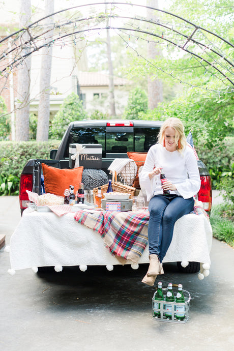 What to Bring for a Perfectly Styled Fall Tailgate