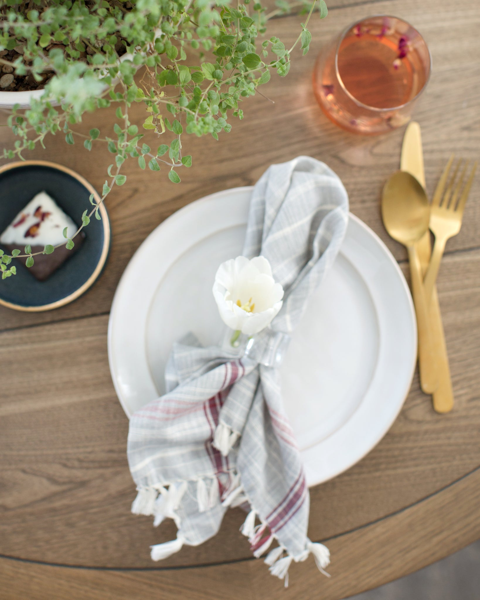 Mostess_Spring_Goods_table_setting