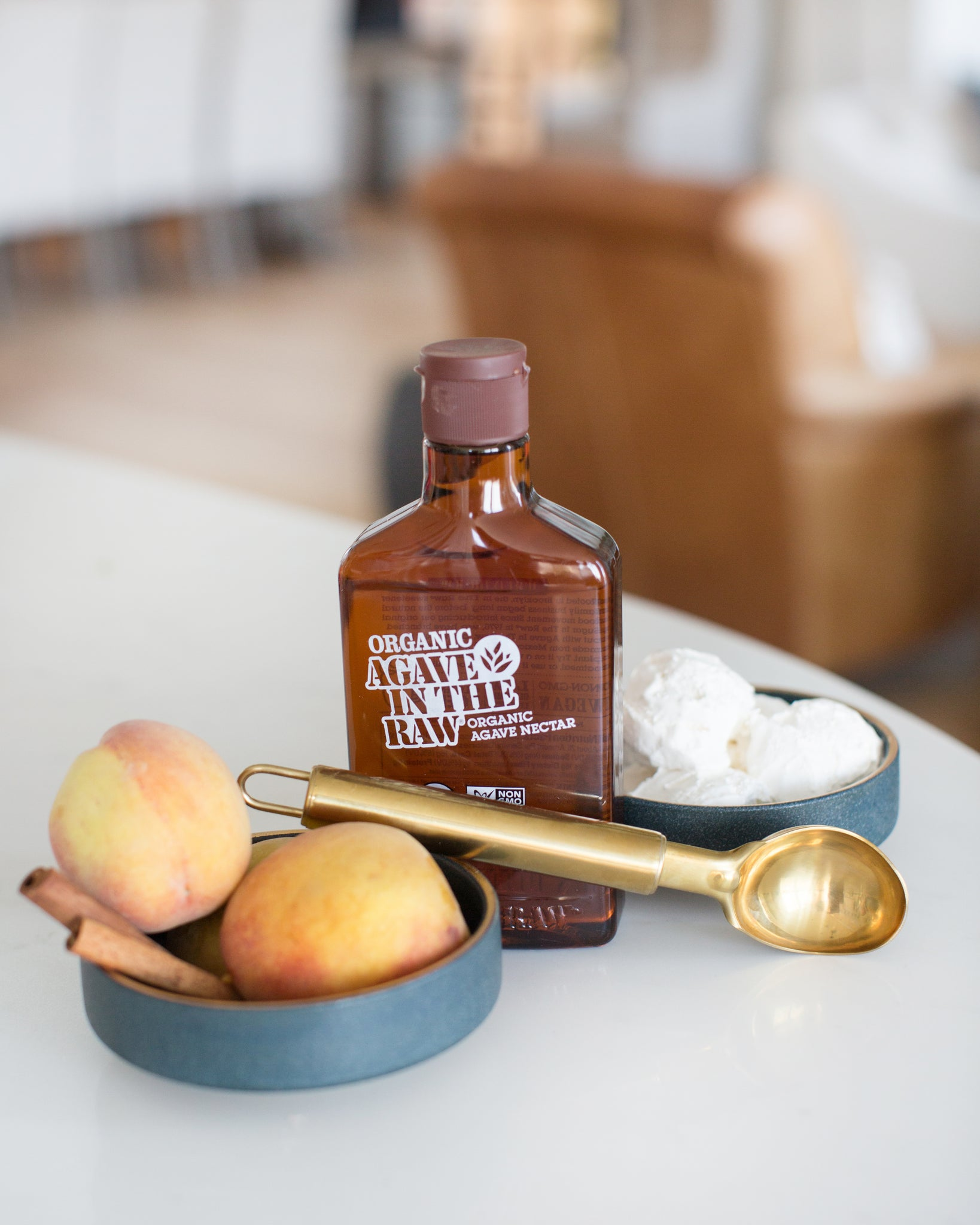 Summer Dessert: Grilled Peaches Recipe with Whipped Cream and Cinnamon featured by top US gifting box, Mostess Box