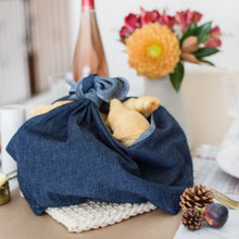 Load image into Gallery viewer, Heirloom Food Tote & Pie Wrap