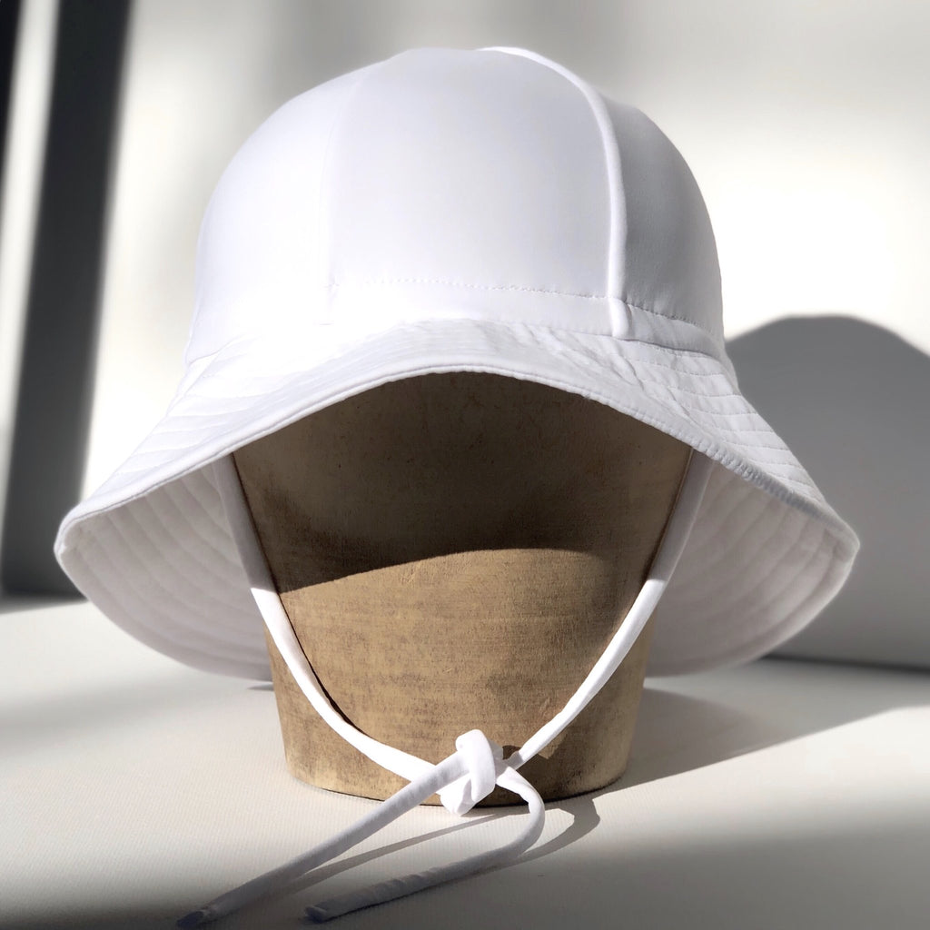 fini. SWIM Floppy Hat - White
