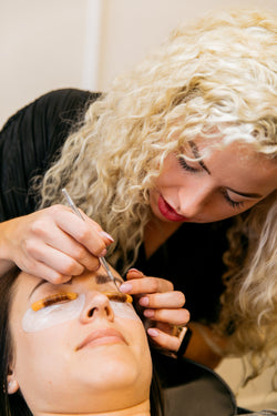 The Lash Lift Refresher Course at Beauty Mavens Collective gives certified Elleebana artists an opportunity to get more hands on practice and refresh their skills!