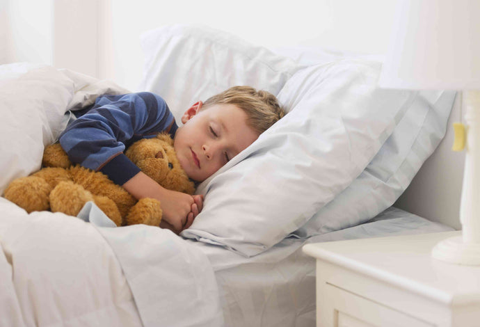 Getting your toddler to bed and… KEEPING him there (A Professional's take)