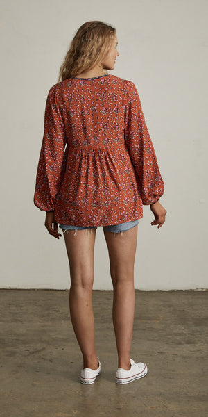 Bellflower Peasant Top Apricot