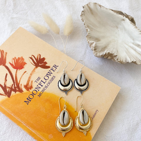 Cowrie shell earings