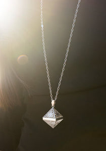 Amplify Quartz Necklace