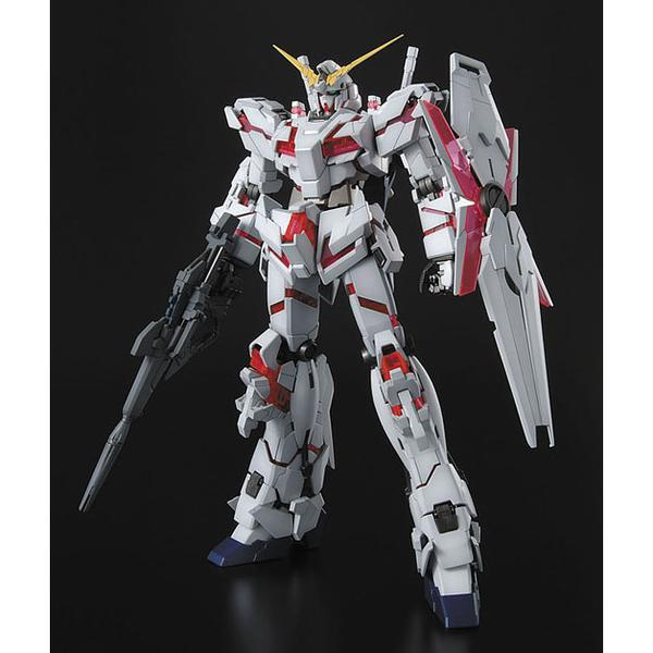 Bandai 1/100 MG RX-0 Unicorn Gundam Full Psycho-Frame Prototype Mobility Suit (Re-issued) front on view.