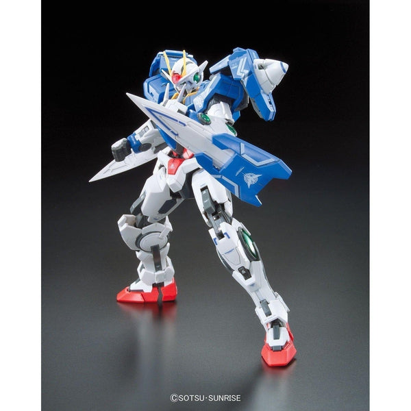 Bandai 1/144 RG - 00 Raiser - Celestial Being Mobile Suit -  GN-0000+GNR-010 pose 2