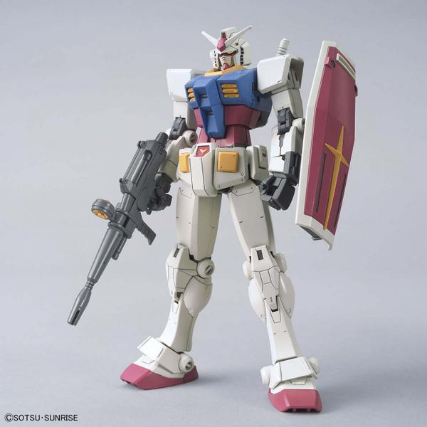 Bandai 1/144 HG RX-78-2 Gundam (Beyond Global) front on view.