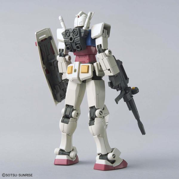 Bandai 1/144 HG RX-78-2 Gundam (Beyond Global) rear view.