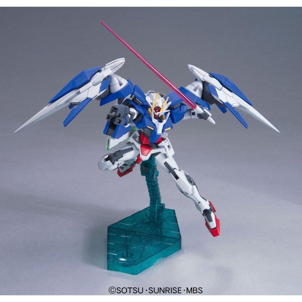 Bandai 1/144 HG 00 Raiser + GN Sword III fight pose 1