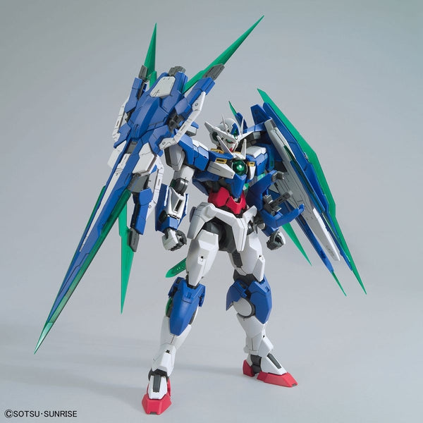 Bandai 1/100 MG 00 Qan[T] Full Sabre front view