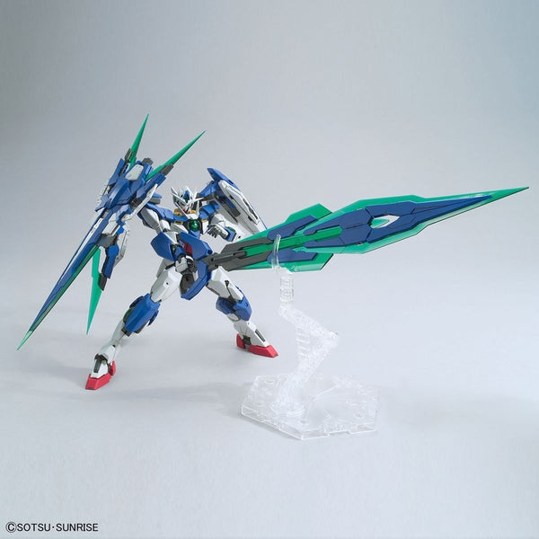 Bandai 1/100 MG 00 Qan[T] Full Sabre with weapons 1