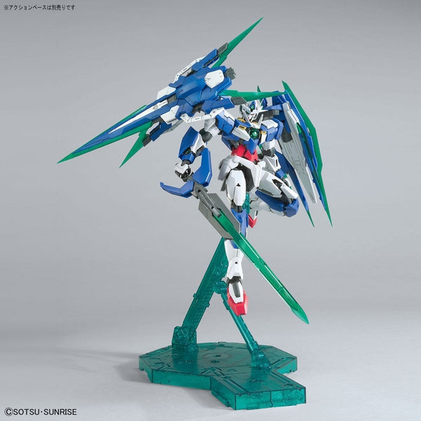 Bandai 1/100 MG 00 Qan[T] Full Sabre with weapons 2