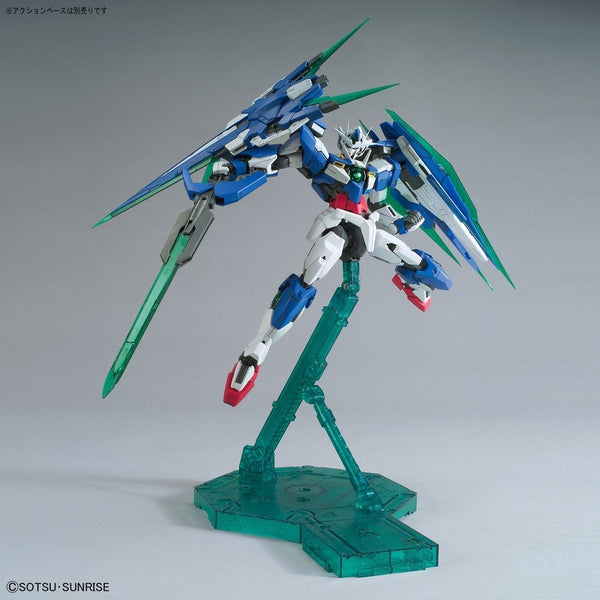 Bandai 1/100 MG 00 Qan[T] Full Sabre with sabre