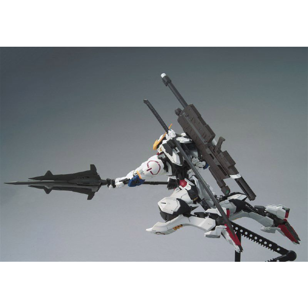 Bandai 1/100 MG Barbatos 4th Form  action pose 1