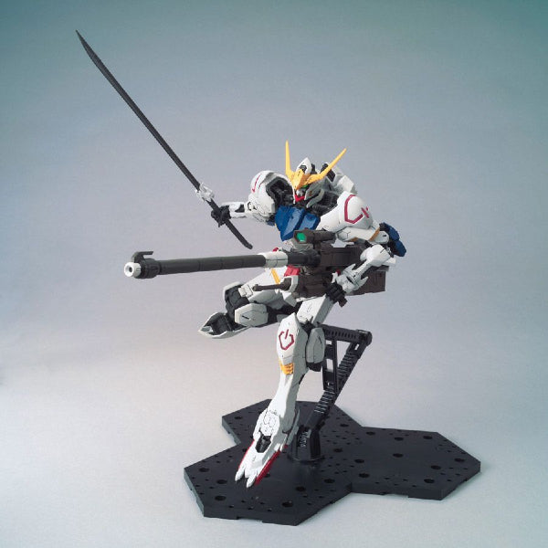 Bandai 1/100 MG Barbatos 4th Form action posewith rifle