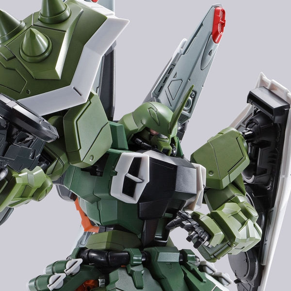 P-Bandai MG 1/100 Blaze Zaku Phantom / Blaze Zaku Warrior closeup