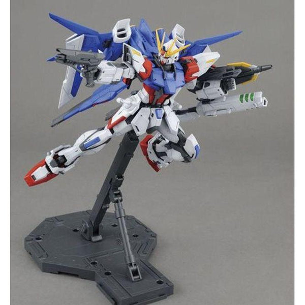 Bandai 1/100 MG GAT-X105B/FB Build Strike Gundam Full Package with everything attached