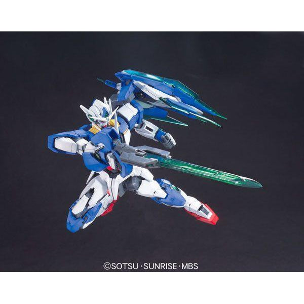 Bandai 1/100 MG 00 Qan[T] with weapons