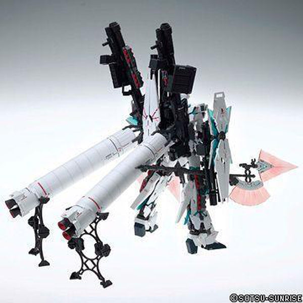 Bandai 1/100 MG RX-0 Full Armour Unicorn Ver.Ka rear view with booster