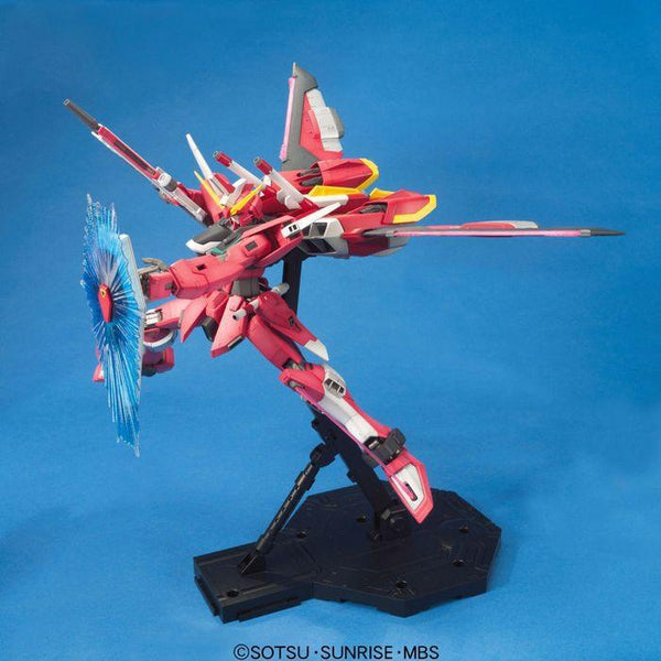 Bandai 1/100 MG ZGMF-19A Infinite Justice Gundam with backpack