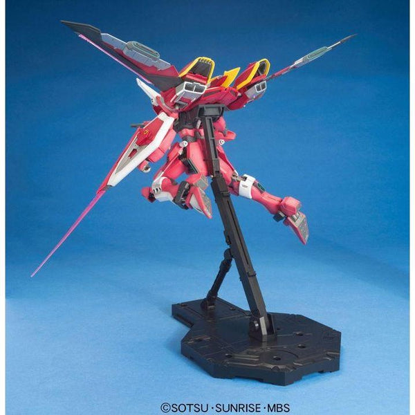 Bandai 1/100 MG ZGMF-19A Infinite Justice Gundam with weapons and backpack