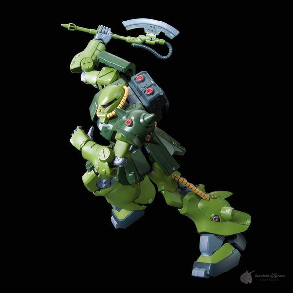 Bandai 1/100 RE MS-06FZ Zaku II Kai action pose 2