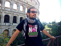 WAR IS NOT GREEN t-shirt in Fuschia and Black