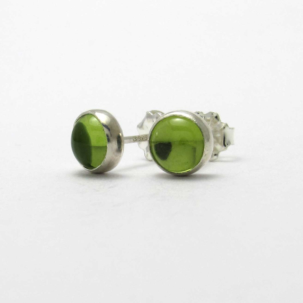 6mm Peridot Stud Earrings - TheExCB