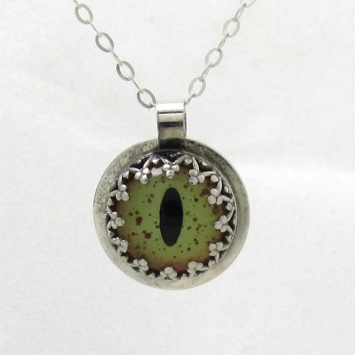 Cat Eye Pendant - TheExCB