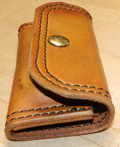 Leather Speed Strip Pouch for 44/45lc, holds 1 six cartridge Bianchi style strip. Belt, bag, pocket carry. Antiqued Golden Brown 33-013