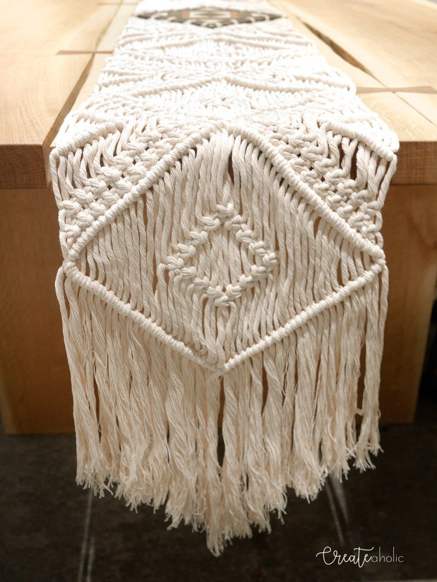 Macramé table runner,