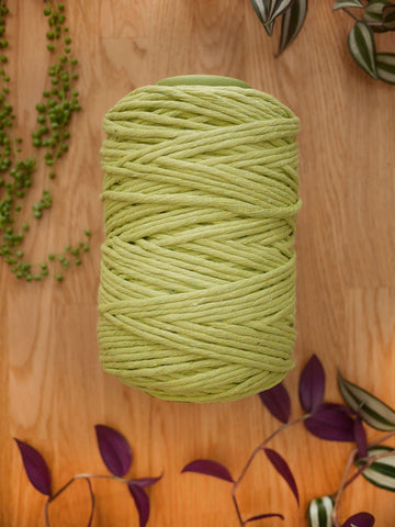 Spring green cotton string, 1 kg