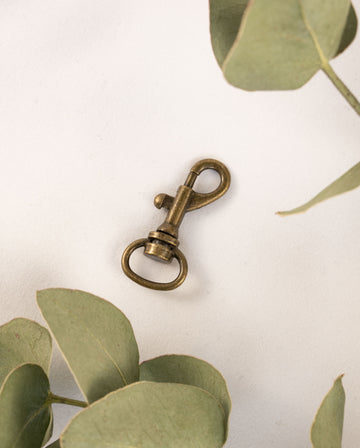 Small clasps, antique brass